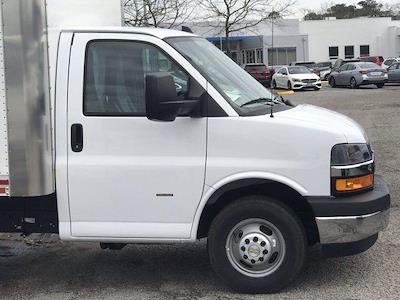 2020 Chevrolet Express 3500 DRW 4x2, Morgan Parcel Aluminum Cutaway Van #CN06012 - photo 9