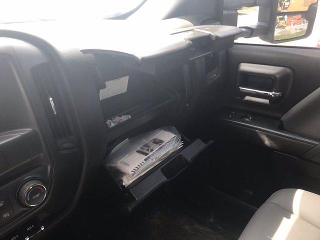 2019 Chevrolet Silverado Medium Duty Crew Cab DRW 4x4, Knapheide PGND Gooseneck Hauler Body #CN06124A - photo 30
