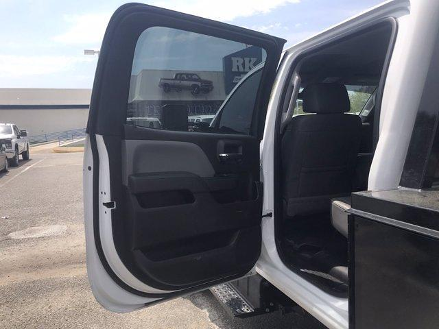 2019 Chevrolet Silverado Medium Duty Crew Cab DRW 4x4, Knapheide PGND Gooseneck Hauler Body #CN06124A - photo 34