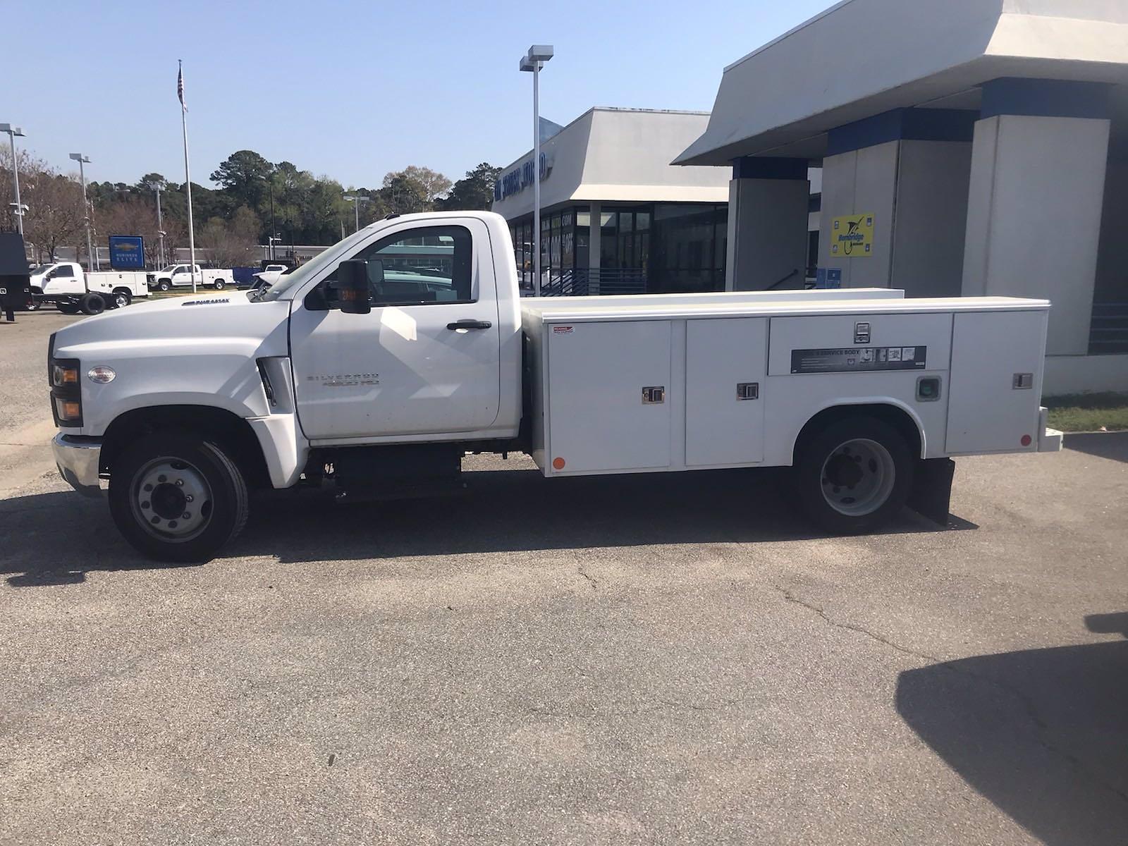2020 Chevrolet Silverado 4500 Regular Cab DRW 4x2, Reading Classic II Steel Service Body #CN06736 - photo 34