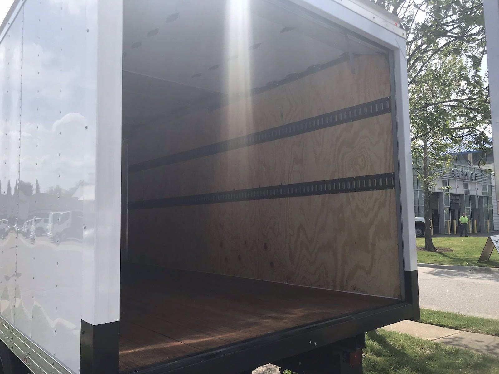 2020 Chevrolet Silverado 5500 Crew Cab DRW 4x2, J&B Truck Body Cutaway Van #CN06861 - photo 21