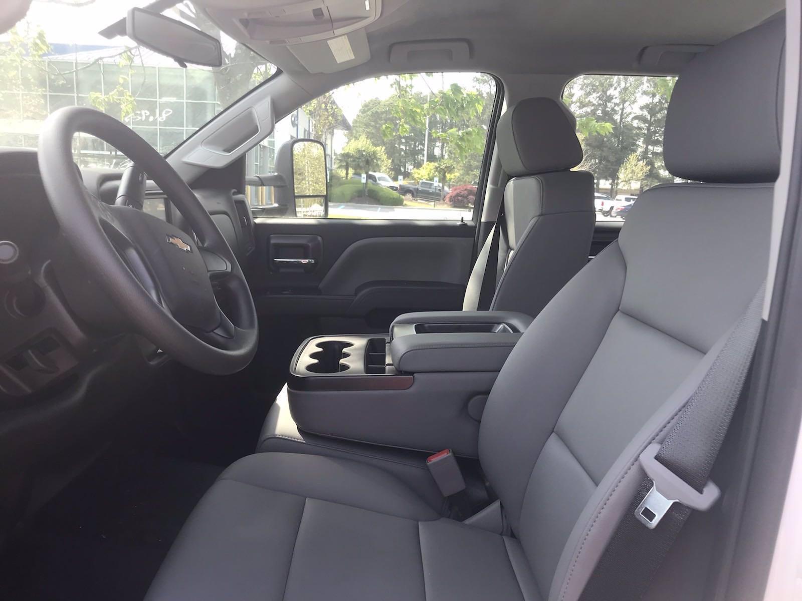 2020 Chevrolet Silverado 5500 Crew Cab DRW 4x2, J&B Truck Body Cutaway Van #CN06861 - photo 28