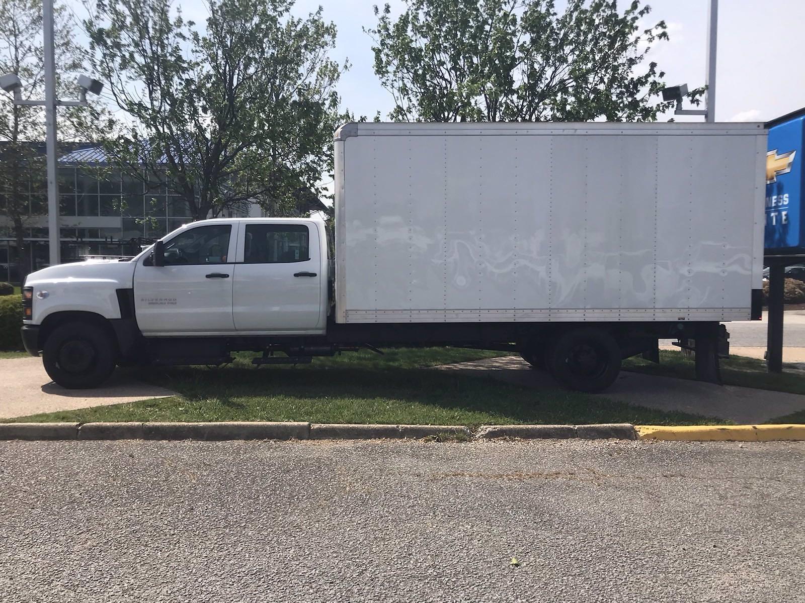 2020 Chevrolet Silverado 5500 Crew Cab DRW 4x2, J&B Truck Body Cutaway Van #CN06861 - photo 5