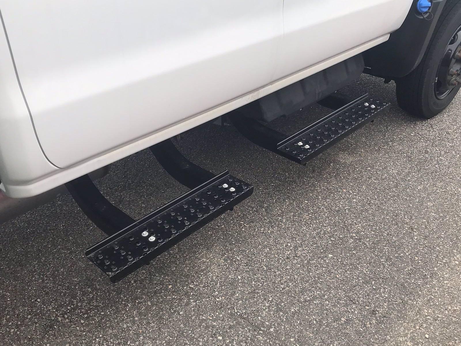 2020 Chevrolet Silverado 5500 Crew Cab DRW 4x2, J&B Truck Body Cutaway Van #CN06864 - photo 10
