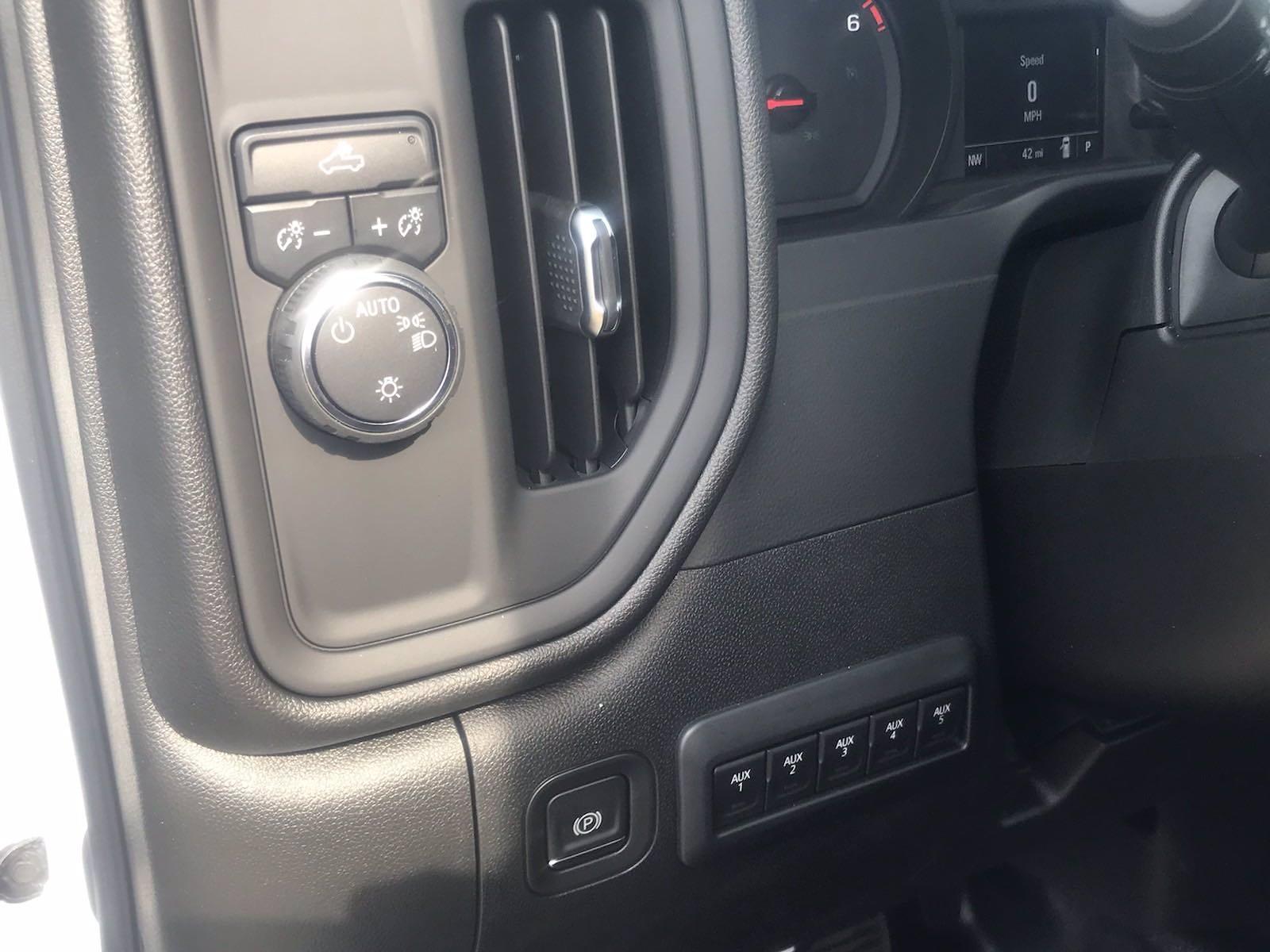 2021 Chevrolet Silverado 2500 Crew Cab 4x2, Reading SL Service Body #CN15787 - photo 25