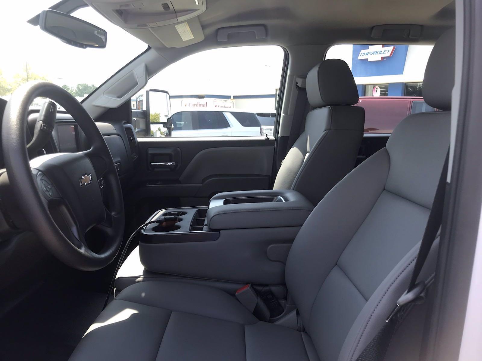 2021 Chevrolet Silverado 5500 Crew Cab DRW 4x4, Cab Chassis #CN16514 - photo 27