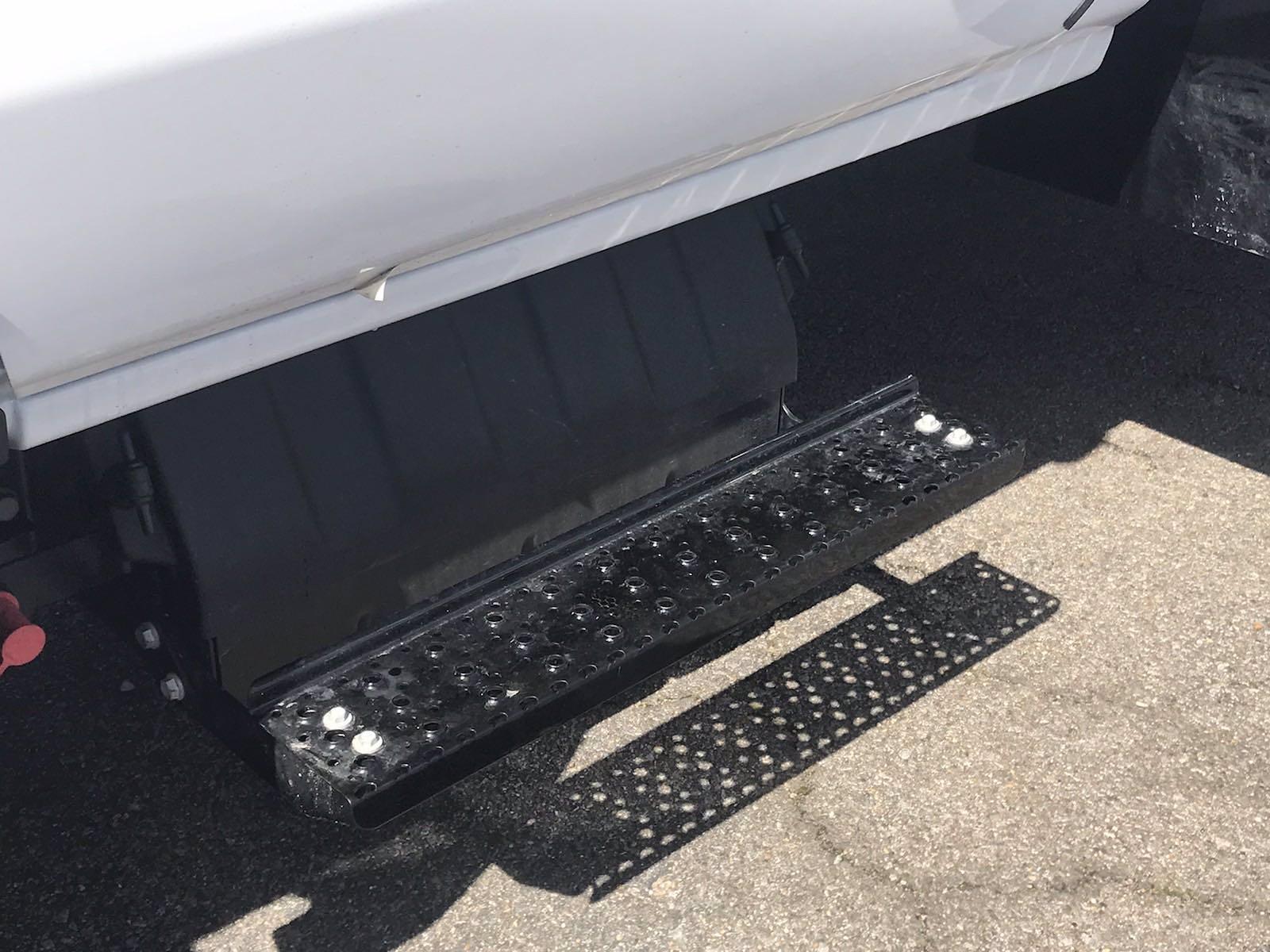 2021 Chevrolet Silverado 4500 Regular Cab DRW 4x4, Reading Panel Service Body #CN16515 - photo 13