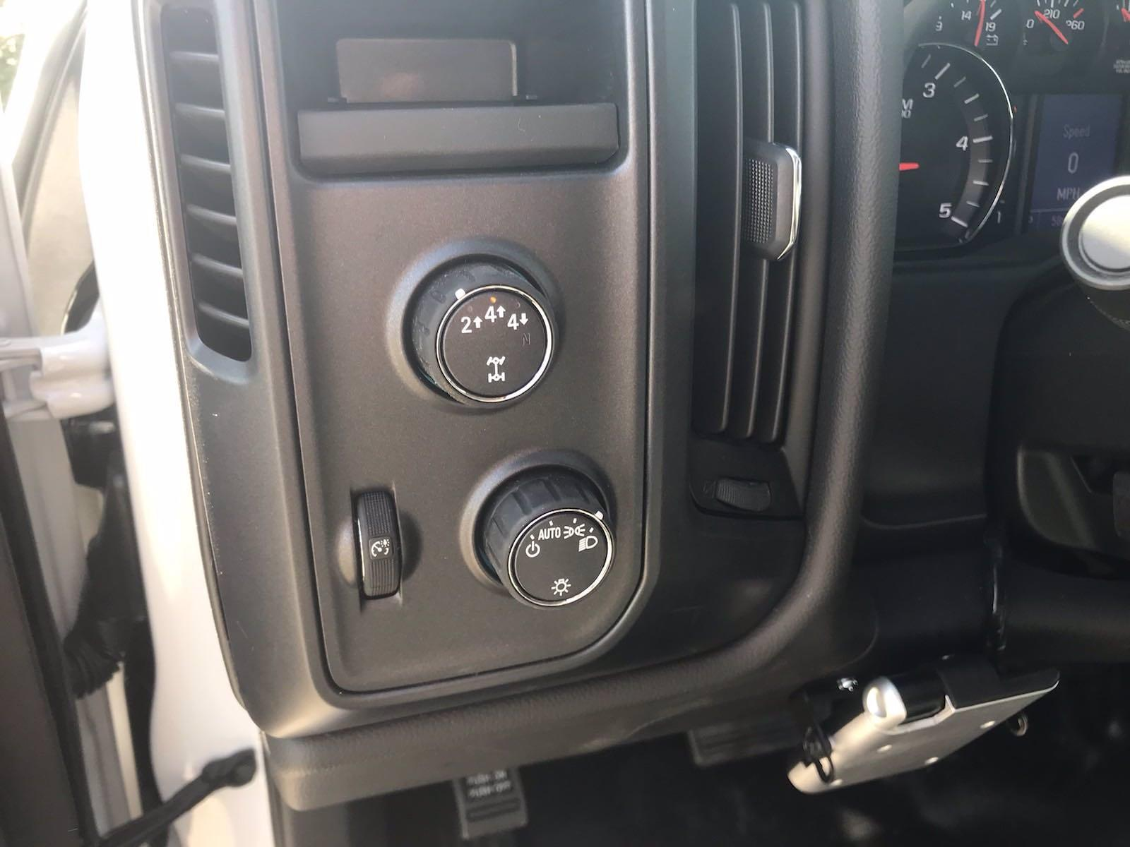 2021 Chevrolet Silverado 4500 Regular Cab DRW 4x4, Reading Panel Service Body #CN16515 - photo 33