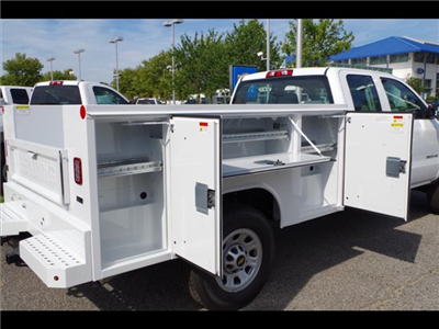 2018 Silverado 3500 Double Cab 4x2,  Reading SL Service Body #CN85921 - photo 19