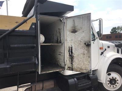 2001 International Truck 4x2,  Dump Body #CN87675A - photo 10