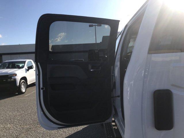 2019 Silverado Medium Duty Crew Cab DRW 4x4, Cab Chassis #CN91282 - photo 21