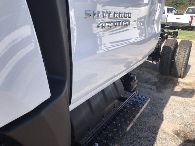 2019 Silverado 4500 Regular Cab DRW 4x4, Cab Chassis #CN91286 - photo 10