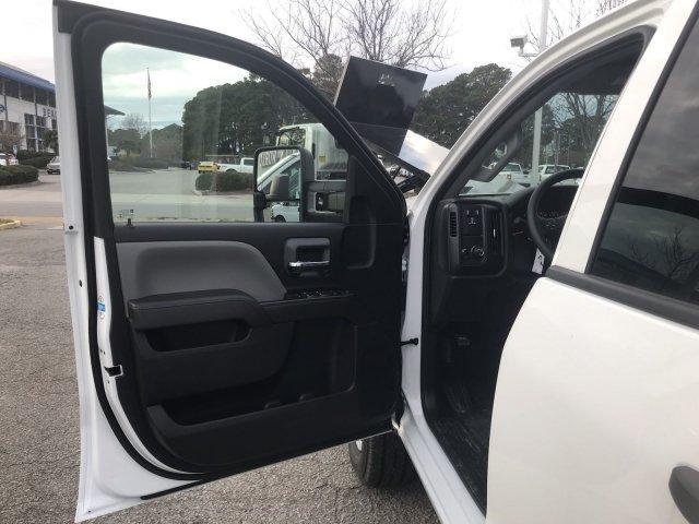 2019 Silverado 2500 Double Cab 4x4, Reading SL Service Body #CN92334 - photo 20