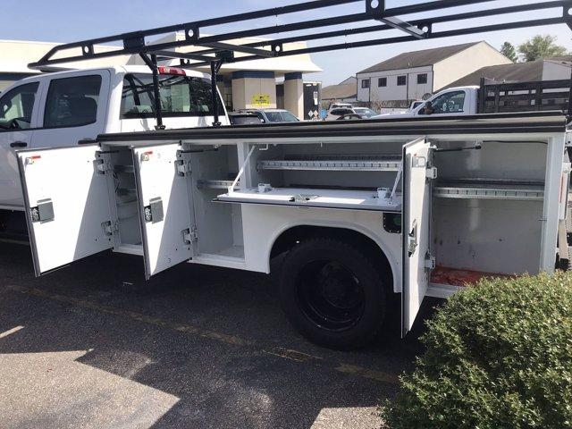 2019 Chevrolet Silverado 5500 Crew Cab DRW 4x2, Reading SL Service Body #CN92756 - photo 17