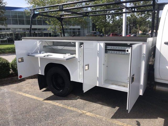 2019 Chevrolet Silverado 5500 Crew Cab DRW 4x2, Reading SL Service Body #CN92756 - photo 25