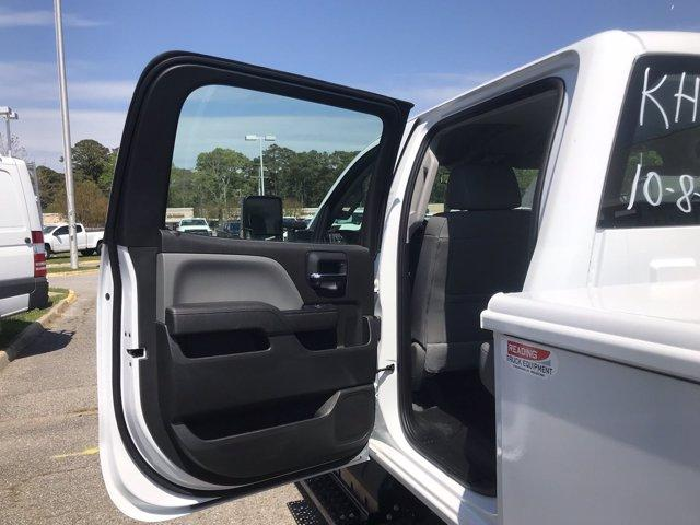 2019 Chevrolet Silverado 5500 Crew Cab DRW 4x2, Reading SL Service Body #CN92756 - photo 47