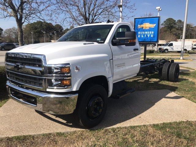 2019 Silverado Medium Duty DRW 4x2,  Cab Chassis #CN98170 - photo 4