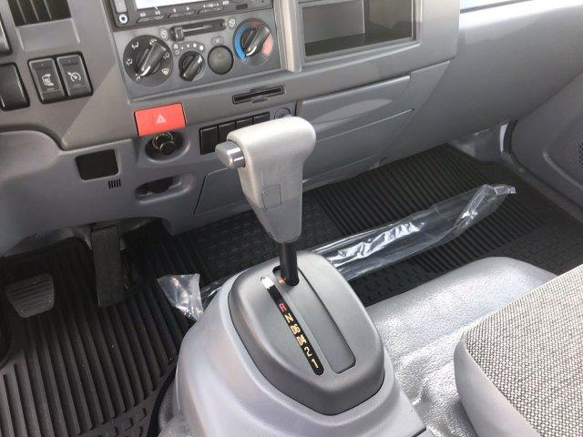2019 LCF 3500 Regular Cab 4x2, Dejana DuraCube Max Service Utility Van #CN99147 - photo 32