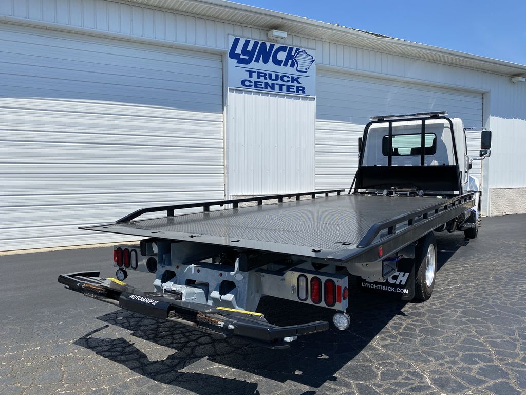2020 Hino Truck Single Cab, Miller Industries Rollback Body #22300W - photo 1