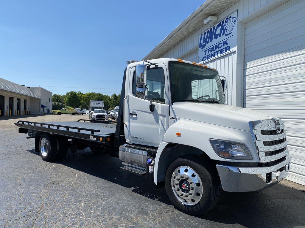 2020 Hino Truck Single Cab RWD, Miller Industries Rollback Body #22774W - photo 1