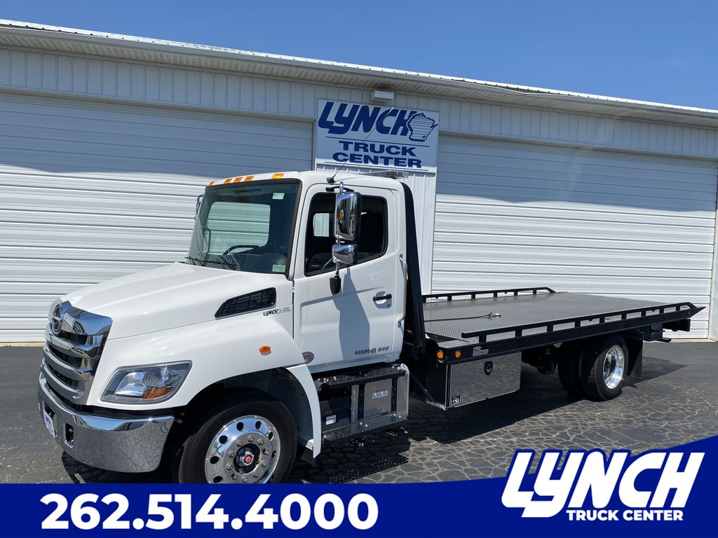 2020 Hino Truck Single Cab, Miller Industries Rollback Body #22774W - photo 1