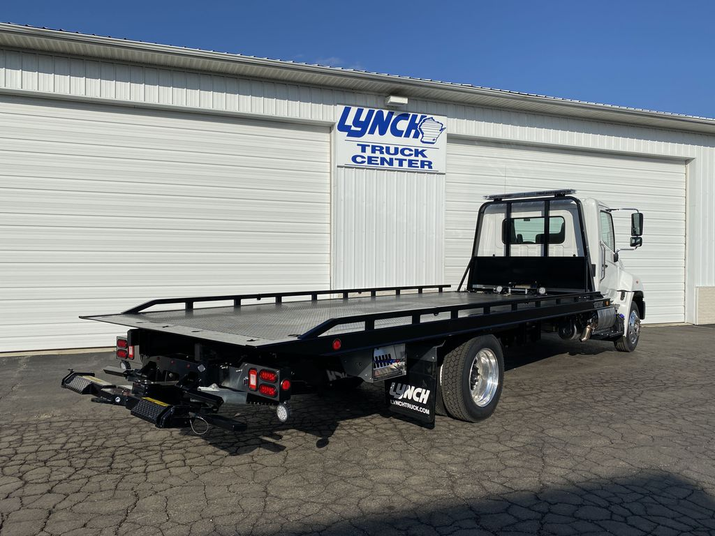 2020 Hino Truck Single Cab, Miller Industries Rollback Body #22780W - photo 1