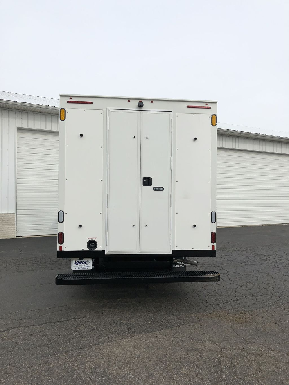 2017 Savana 4500 4x2, Supreme Iner-City Cutaway Van #20967T - photo 11