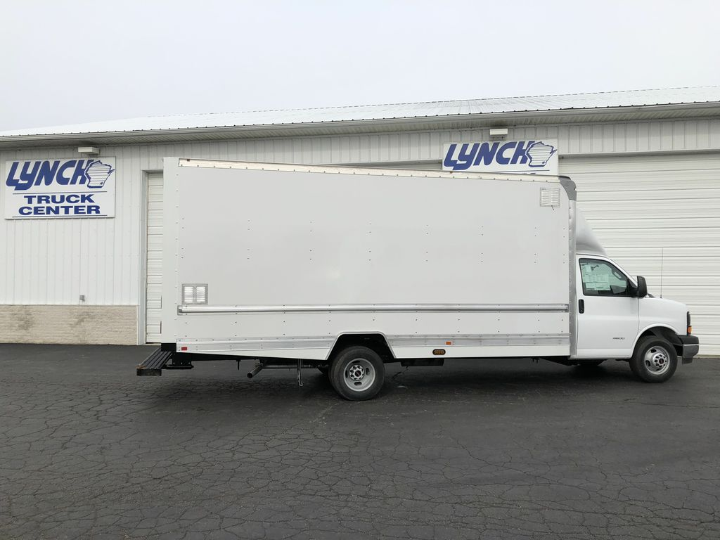 2017 Savana 4500 4x2,  Supreme Iner-City Cutaway Van #20967T - photo 13