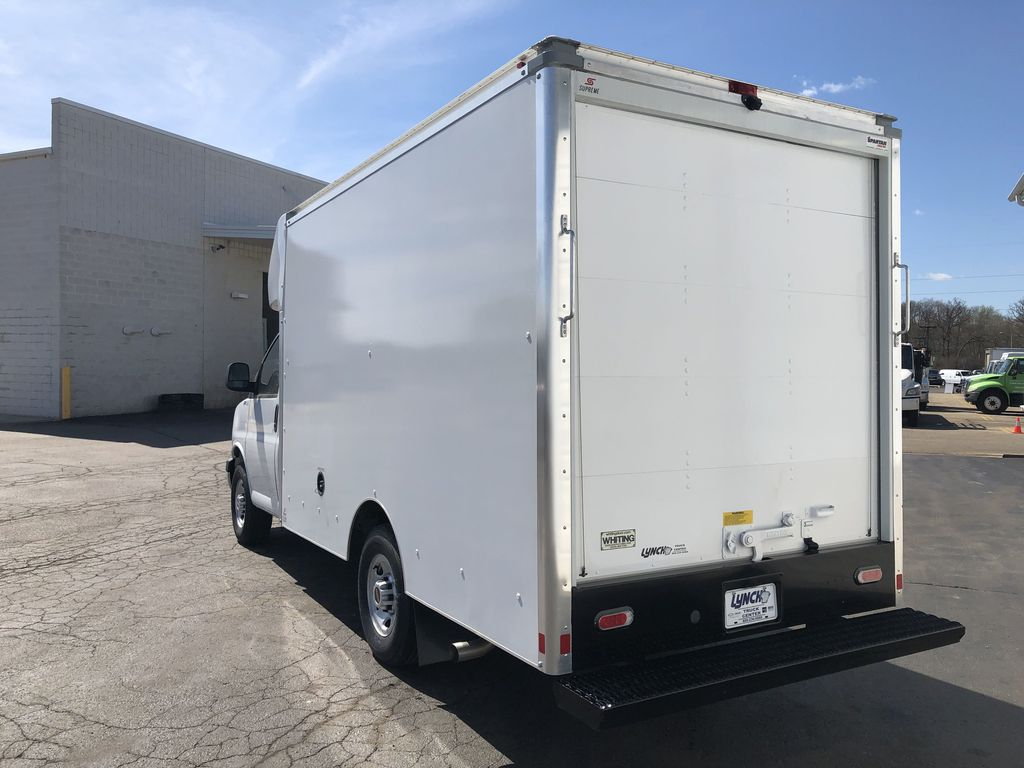 2018 Savana 3500 4x2, Supreme Cutaway Van #22139T - photo 1