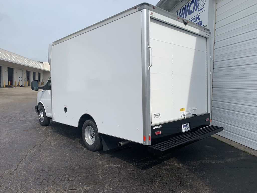 2019 Savana 3500 4x2, Supreme Cutaway Van #22453T - photo 1