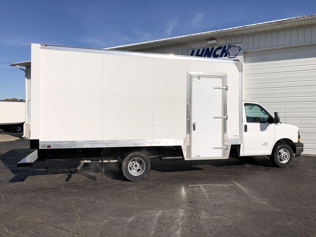 2019 Savana 4500 4x2, Supreme Iner-City Cutaway Van #22477T - photo 9