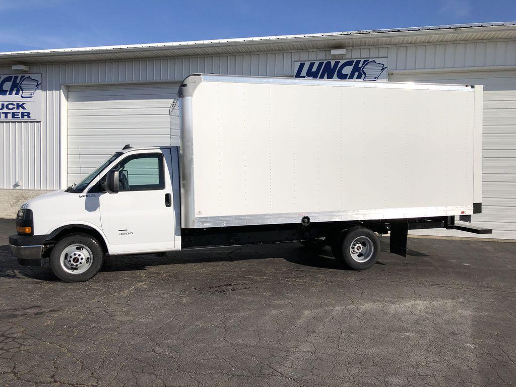 2019 Savana 4500 4x2, Supreme Iner-City Cutaway Van #22477T - photo 4