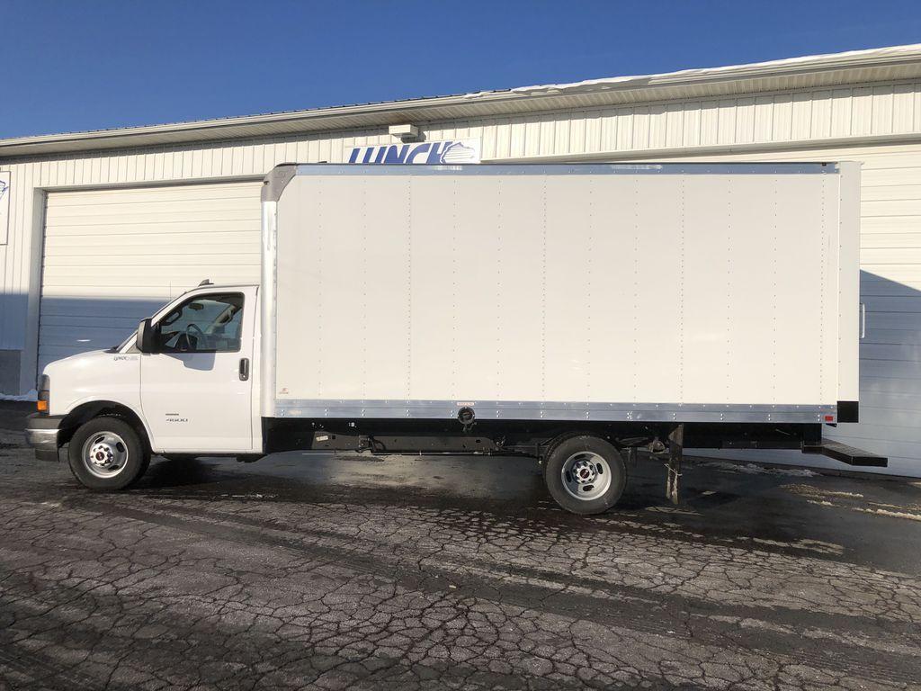 2019 Savana 4500 4x2, Supreme Iner-City Cutaway Van #22478T - photo 4