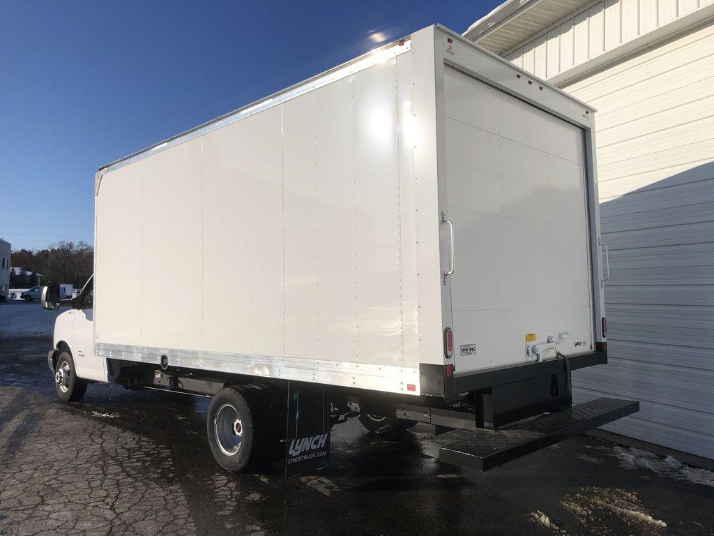 2019 Savana 4500 4x2, Supreme Cutaway Van #22478T - photo 1
