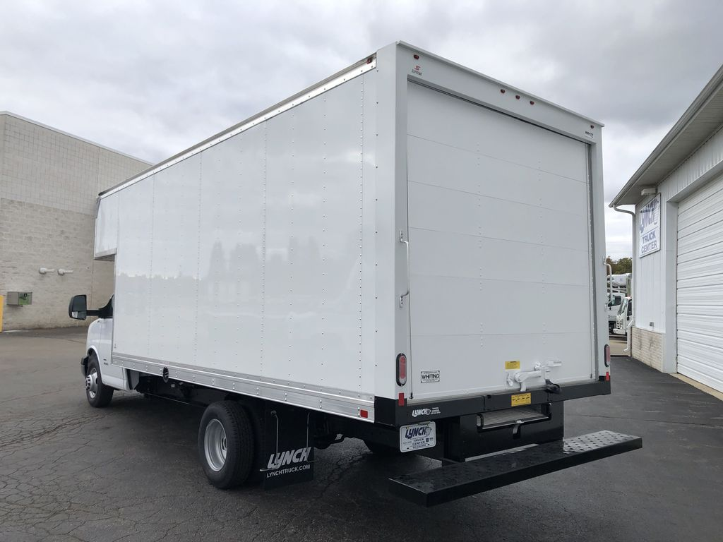 2019 GMC Savana 4500 4x2, Supreme Cutaway Van #22493T - photo 1