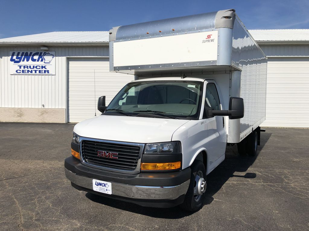 2019 Savana 4500 4x2, Supreme Cutaway Van #22548T - photo 1