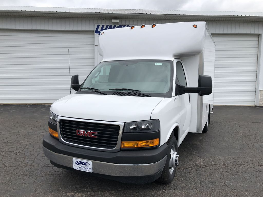 2019 Savana 3500 4x2, Supreme Cutaway Van #22683T - photo 1