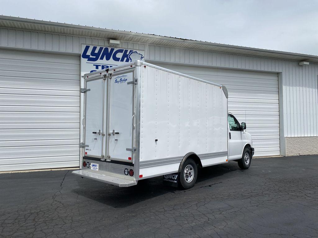2020 GMC Savana 3500 RWD, Bay Bridge Sheet and Post Cutaway Van #22926T - photo 12
