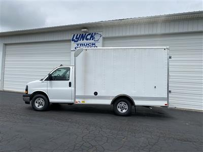 2020 GMC Savana 3500 RWD, Bay Bridge Sheet and Post Cutaway Van #22926T - photo 10