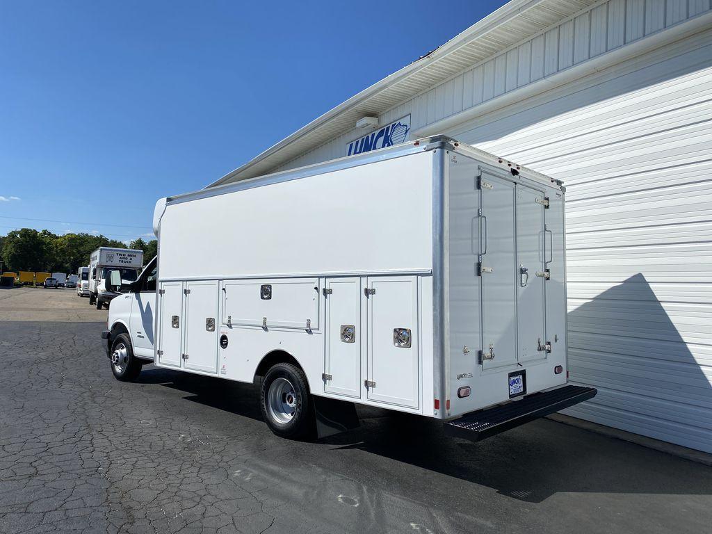 2020 GMC Savana 4500 RWD, Supreme Service Utility Van #23234T - photo 1