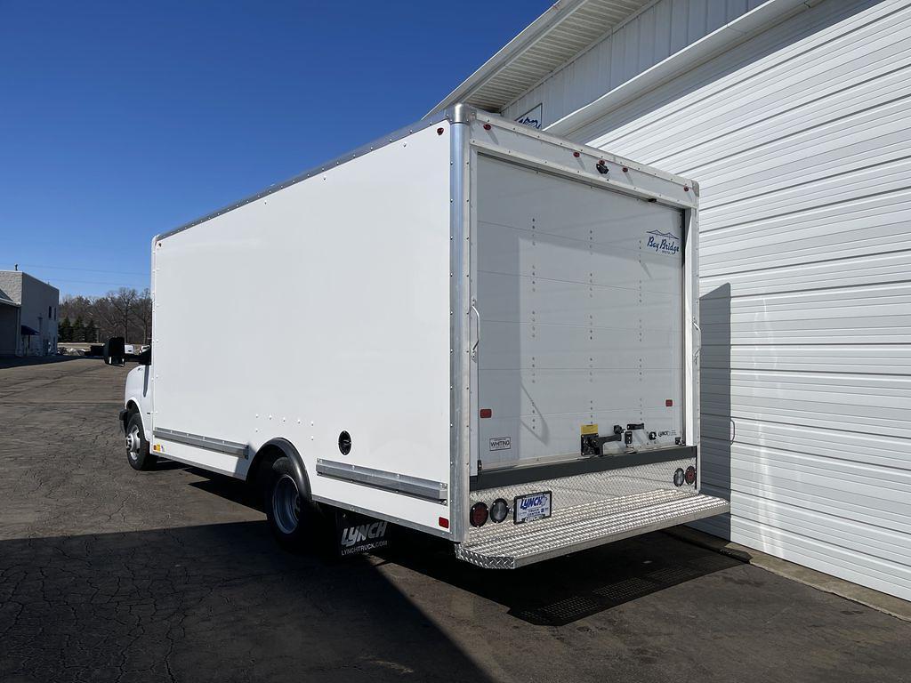 2020 GMC Savana 3500 DRW 4x2, Bay Bridge Cutaway Van #23598T - photo 1