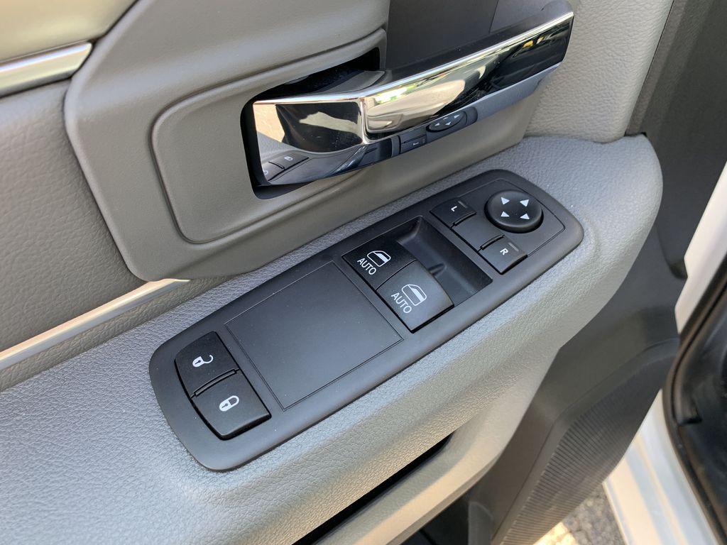 2018 Ram 3500 Regular Cab DRW 4x4, Dump Body #9200 - photo 7