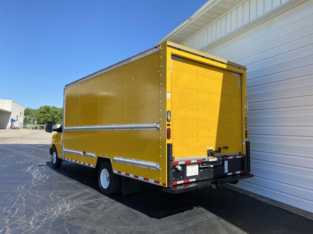 2016 GMC Savana 3500 4x2, Cutaway Van #9372 - photo 1