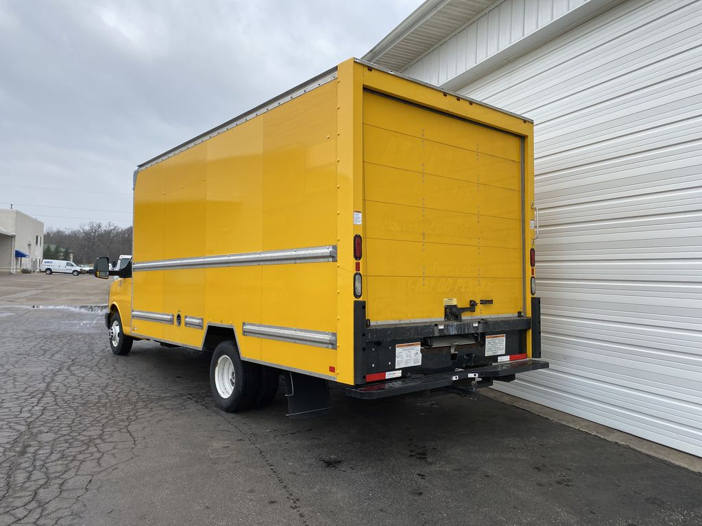 2016 GMC Savana 3500 4x2, Cutaway Van #9386 - photo 1