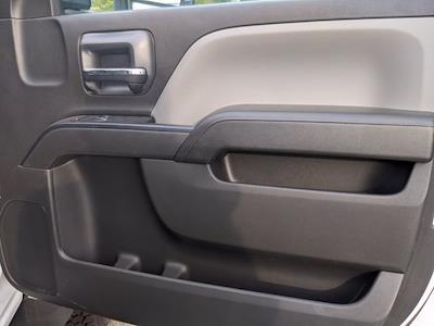 2020 Silverado Medium Duty Regular Cab DRW 4x2,  Knapheide PGNB Gooseneck Platform Body #DCL9386 - photo 28