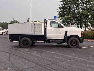 2020 Silverado Medium Duty Regular Cab DRW 4x2,  Knapheide PGNB Gooseneck Platform Body #DCL9386 - photo 4