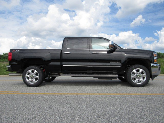 2018 Silverado 2500 Crew Cab 4x4,  Pickup #H4354 - photo 15