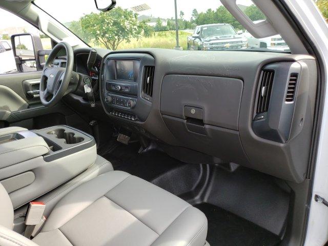 2019 Silverado Medium Duty 4x2,  Cab Chassis #I5235 - photo 23
