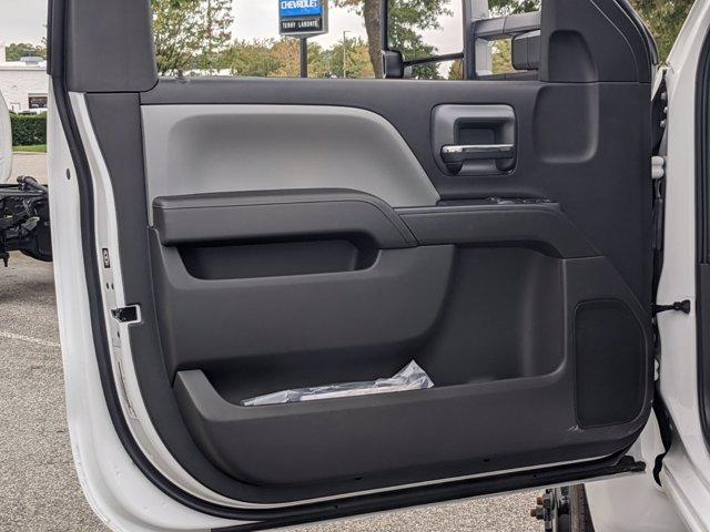 2020 Chevrolet Silverado Medium Duty Regular Cab DRW 4x2, Cab Chassis #J6971 - photo 12