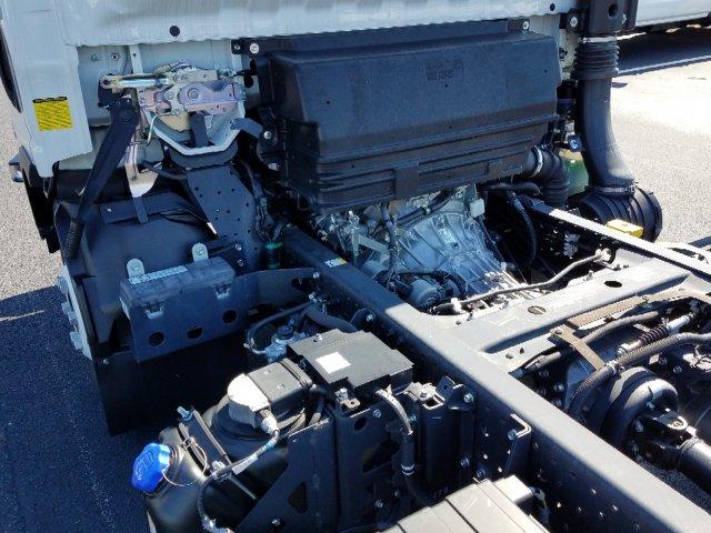 2018 LCF 4500HD Regular Cab 4x2,  Cab Chassis #MH5097 - photo 16